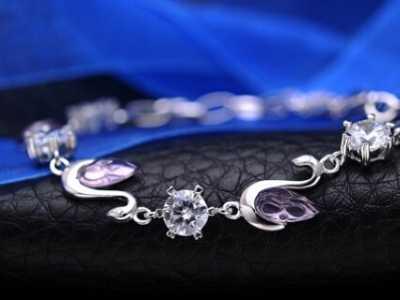适合年轻女性手链品牌 适合年轻女性的手链品牌