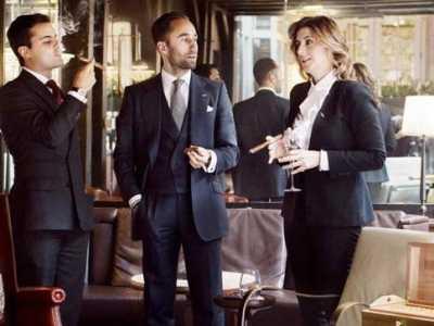 女人抽雪茄给人的感觉 你看是不是很帅