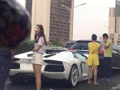 北京兰博基尼车祸 北京又一白色兰博基尼撞车