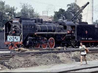 80年代中国社会变化 80年代赶火车的中国人
