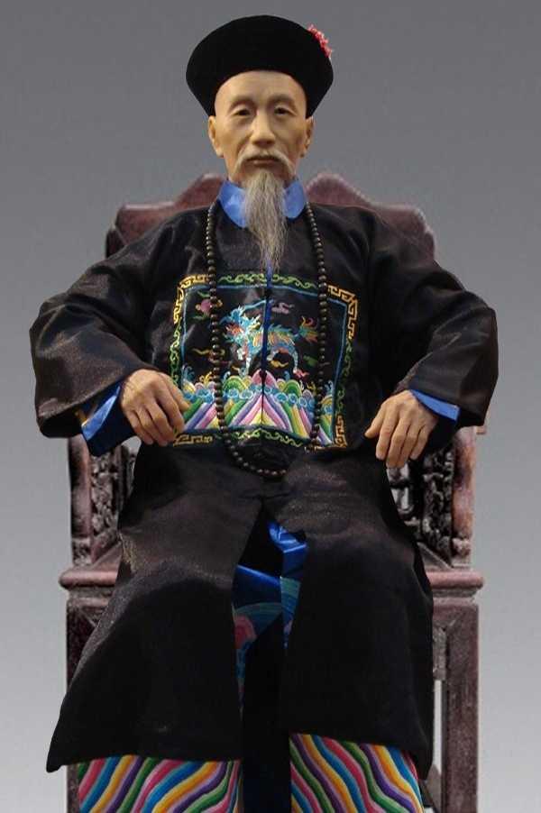 想了解曾国藩和李鸿章两位历史人物 关于曾国藩的书哪本好