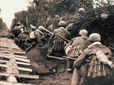 为什么战士们都情愿穿草鞋 抗日战士们什么样的精神