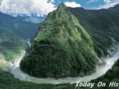 地球上最长的河流 全长504.6千米的雅鲁藏布大峡谷