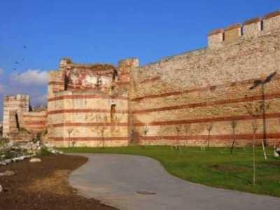 君士坦丁堡战役遗址 君士坦丁堡皇帝