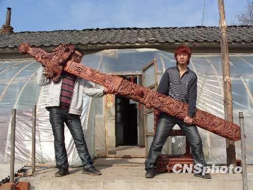 世界最长桃木盘龙宝剑惊现 世界最长剑